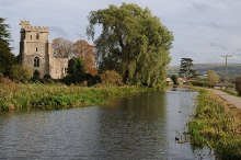 Stonehouse, Stonehouse church and Stroudwater Canal, Gloucestershire © Phillip Halling
